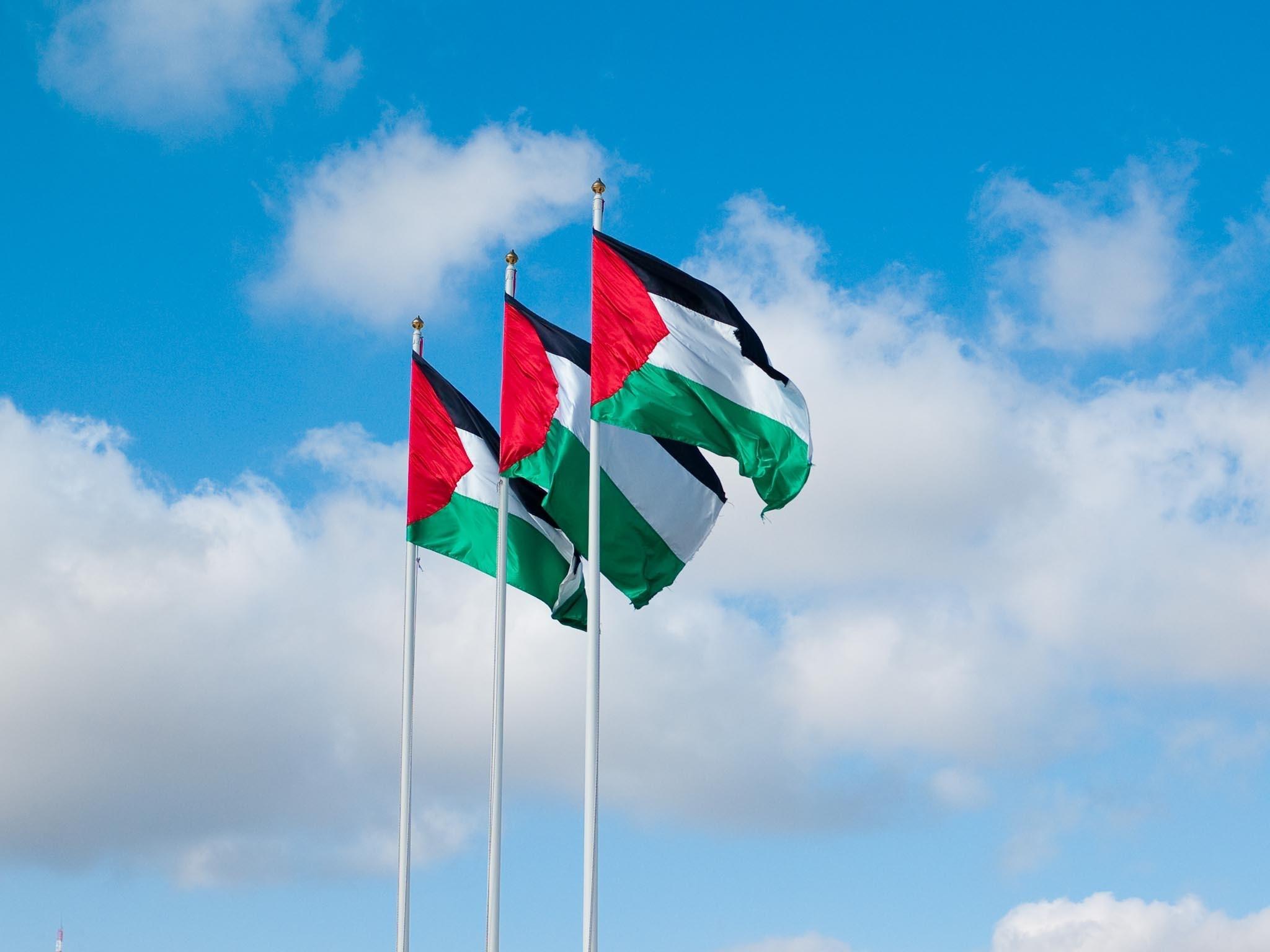 الفصائل الفلسطينية تطالب السلطة بـ التراجع عن قرارها فوراً.