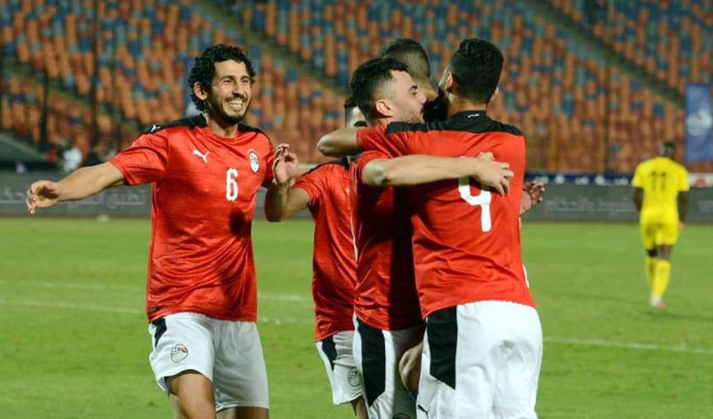 لاعبو منتخب مصر يحتفلون