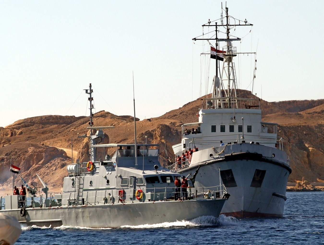 المناورات تهدف لتعزيز وتطوير التعاون العسكري بين البحرية المصرية والبحرية الروسية
