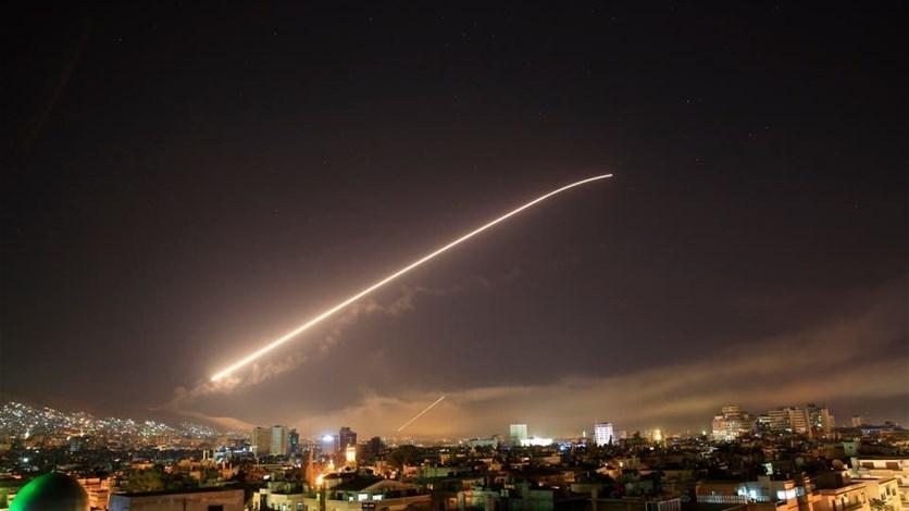 الدفاعات الجوية السورية تصدّت للصواريخ واسقطت عدداً منها