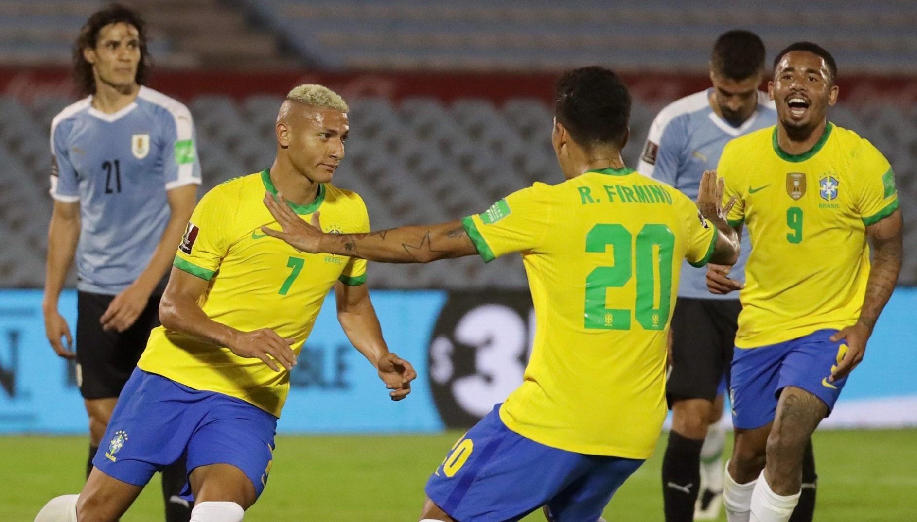 الفوز الرابع على التوالي للبرازيل