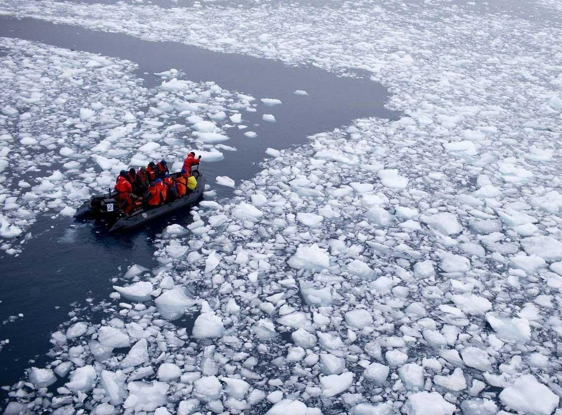 روسيا تنشىء خط اتصالات من الألياف الضوئية تحت الماء في القطب الشمالي