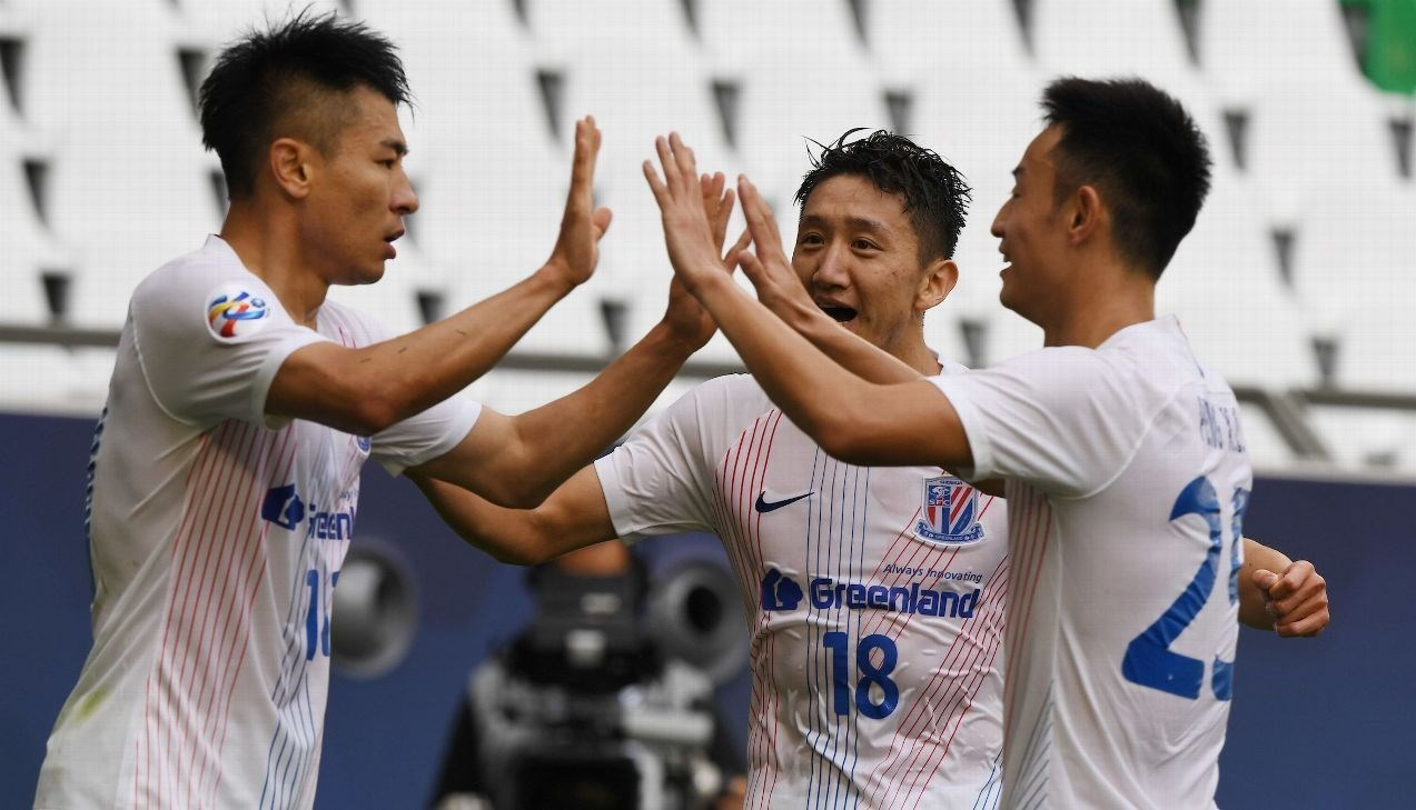 فرحة لاعبي شنغهاي شينخوا بأحد الهدفين
