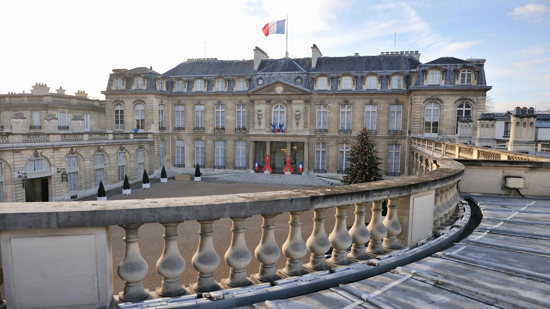 ماكرون يستقبل مسؤولي الديانة الإسلامية في فرنسا