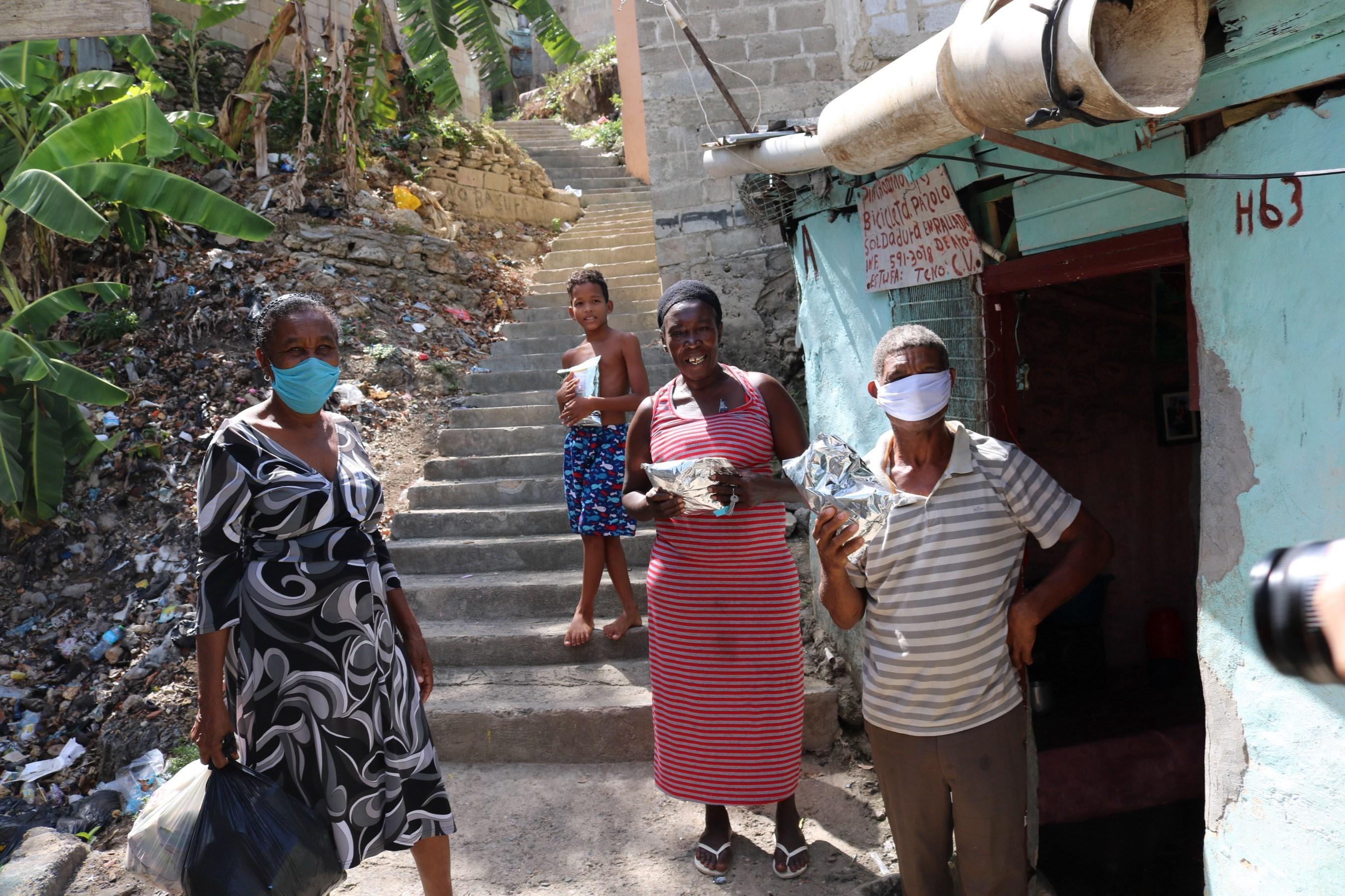 بلغ عدد الإصابات بكورونا في العالم 56,8 مليون وعدد الوفيات 1,36 مليون