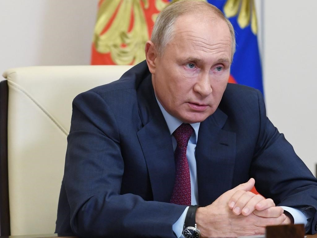 بوتين: اللقاحان الروسيان فاعلان وآمنان.. وندرس توزيعهم بشكل واسع