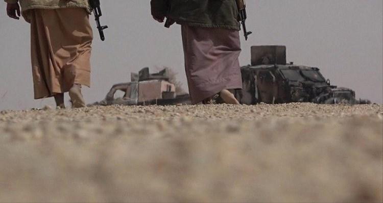 المناطق المحيطة بالمعسكر سيطرت عليها القوات المسلحة اليمنية أيضاً.