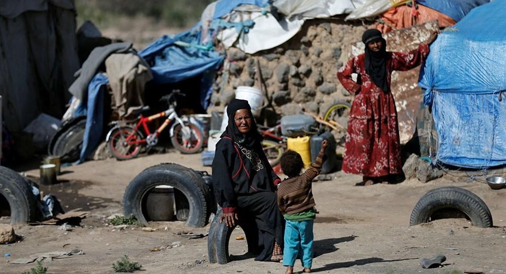 الحوثي يطالب غوتيريش بإيجاد حل لمعوقات إغاثة الشعب اليمني