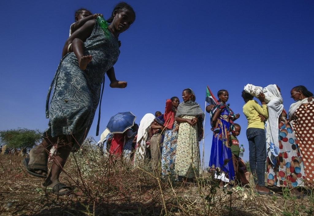 لاجئون إثيوبيون فروا من القتال في