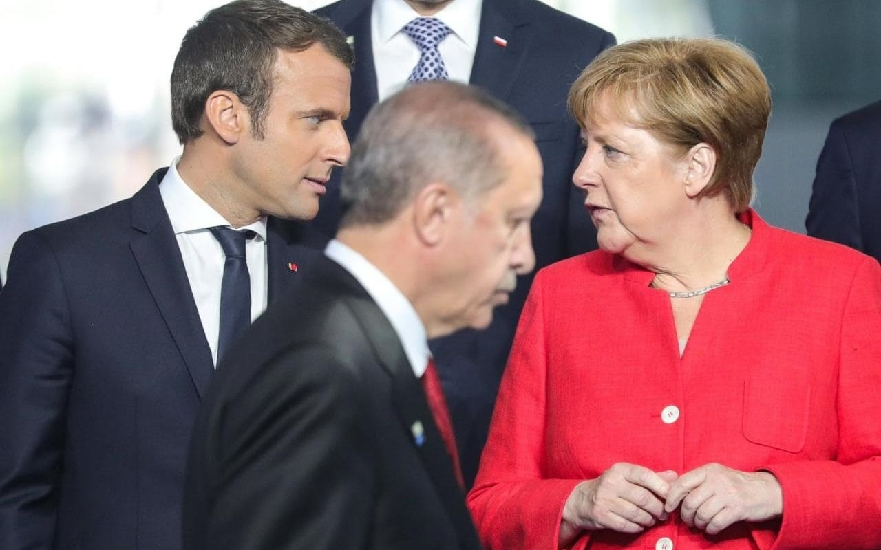 فرنسا: ننتظر