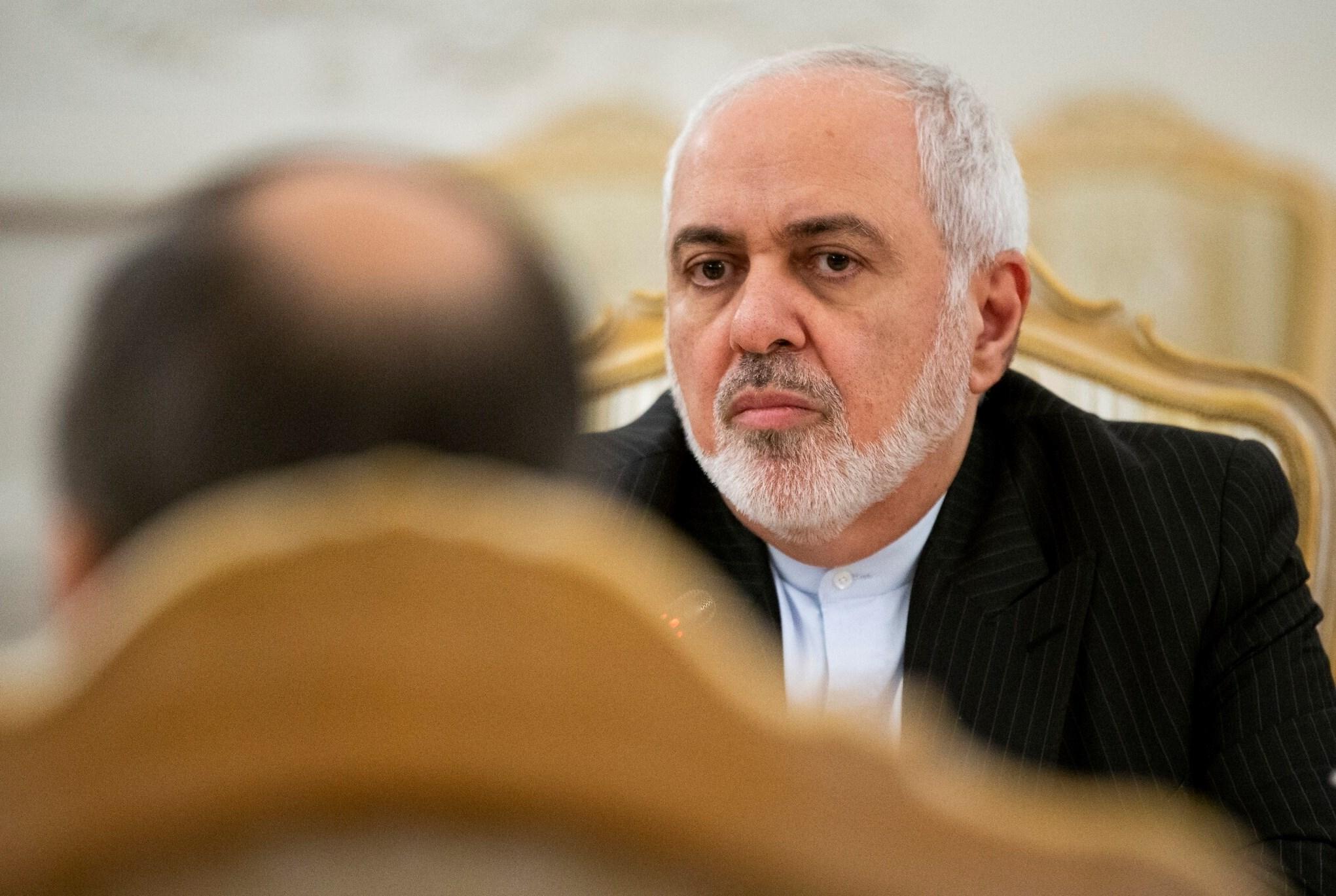 أشار ظريف إلى عرقلة بعض الدول لعملية التسوية السياسية للأزمة السورية