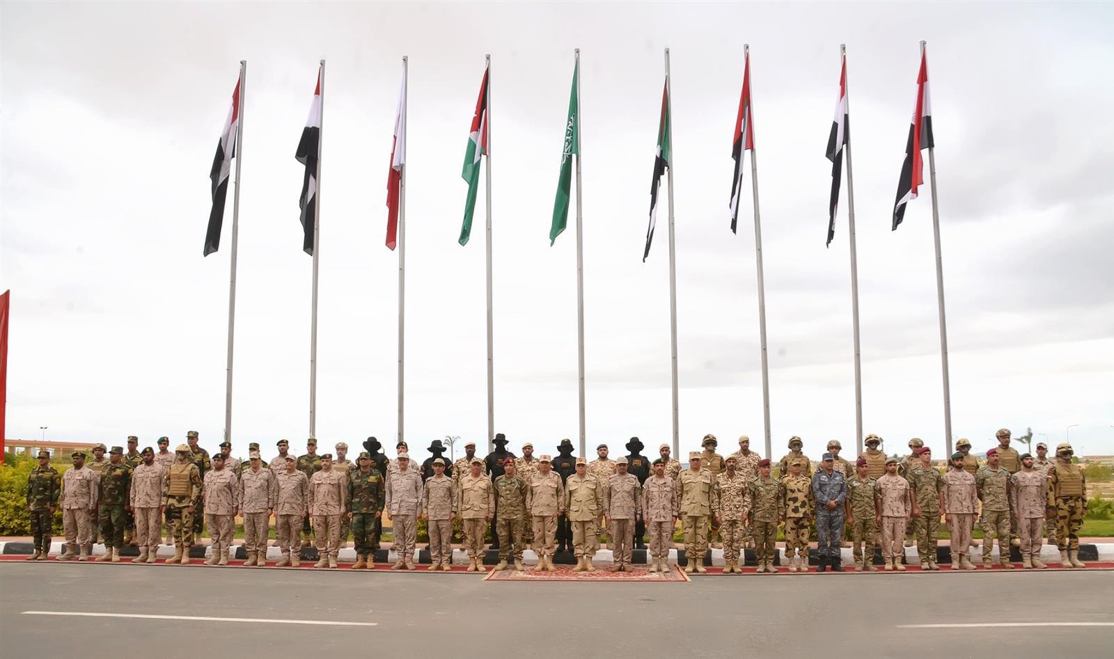 تشارك كل من الأردن والسودان والسعودية والامارات والبحرين في مناورات سيف العرب في مصر
