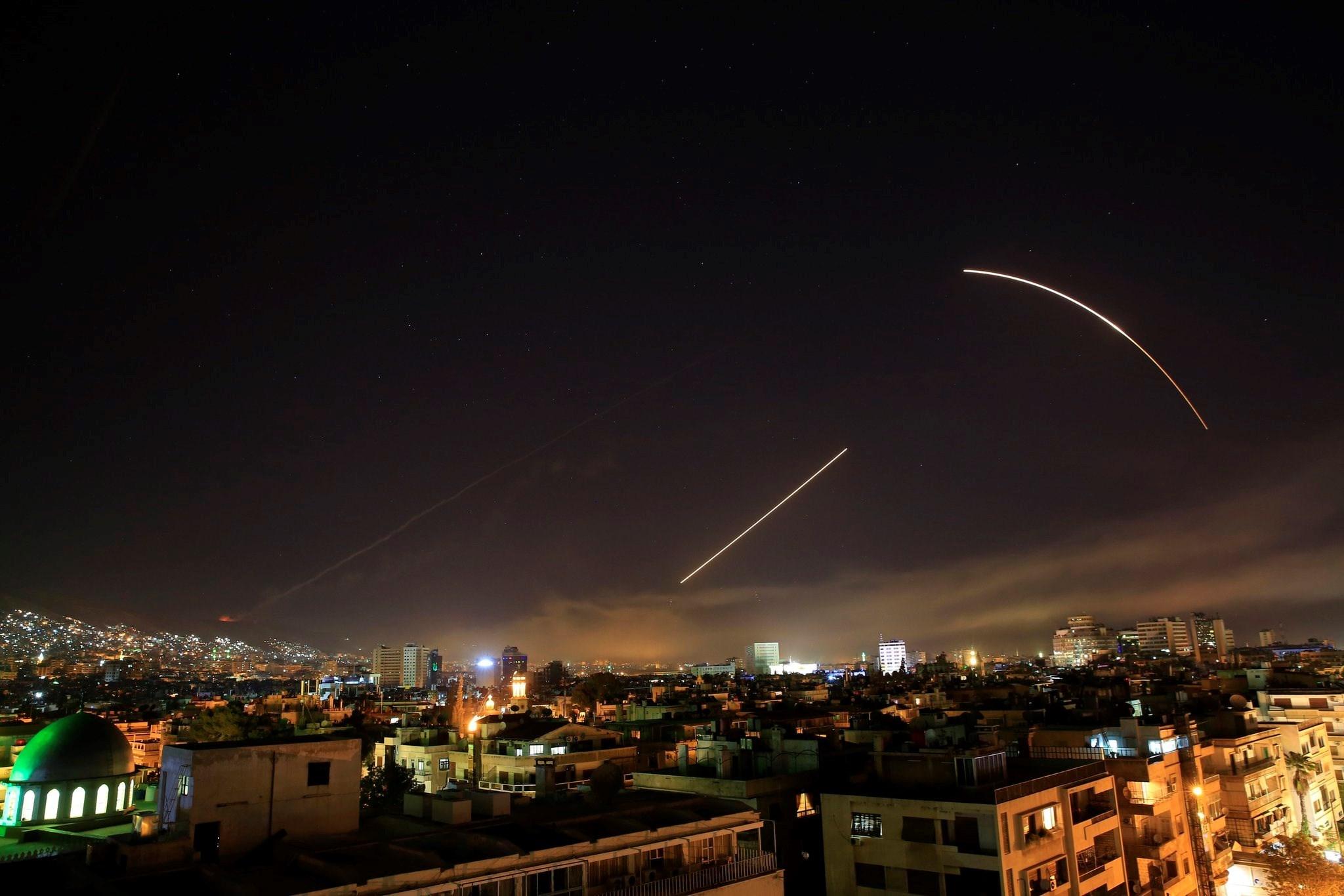 تصدي الدفاعات الجوية السورية للاعتداءات الإسرائيلية (أرشيف)