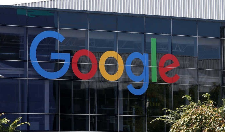 غوغل تختبر تطبيقا جديدا يتعرف على تسجيلاتك الصوتية