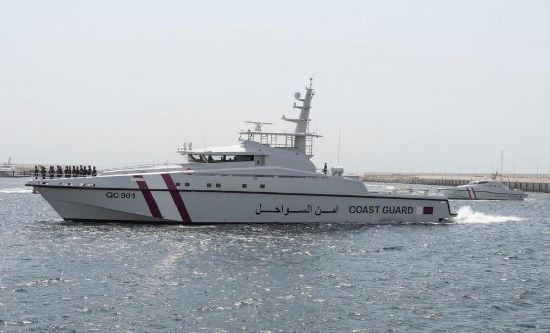 خفر السواحل القطري يوقف زورقين بحرينيين في مياه الخليج ثم يطلق سراحهما