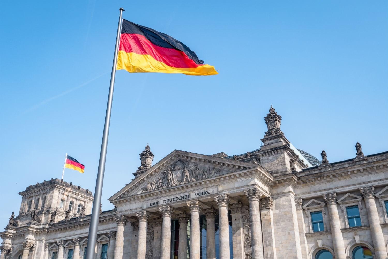 وسائل إعلام ألمانية: الحادثة وقعت قبيل كلمة مرتقبة للمستشارة الألمانية انغيلا ميركل حول الإغلاق