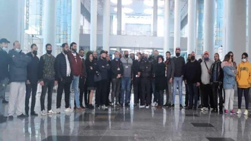 جانب من الفنانين المعتصمين في وزارة الثقافة