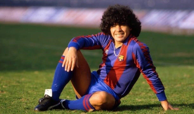 مارادونا عندما كان لاعباً في برشلونة