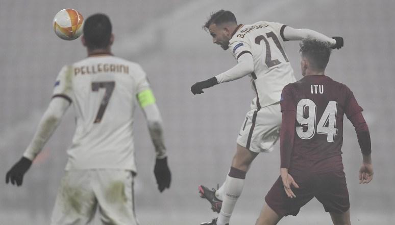 فاز روما على كلوج 2-0