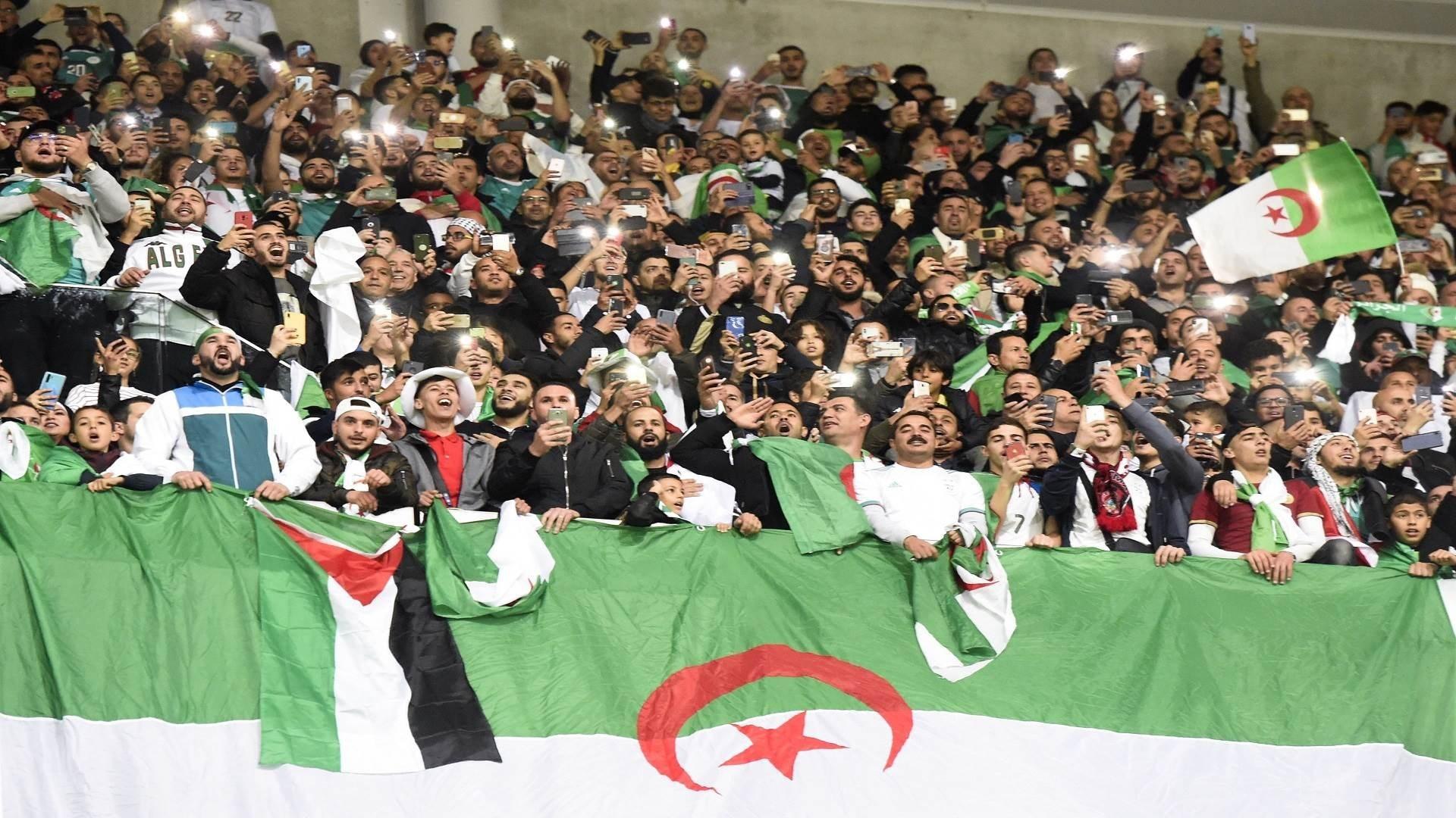 الجماهير الجزائرية في احدى مباريات المنتخب (أرشيف)