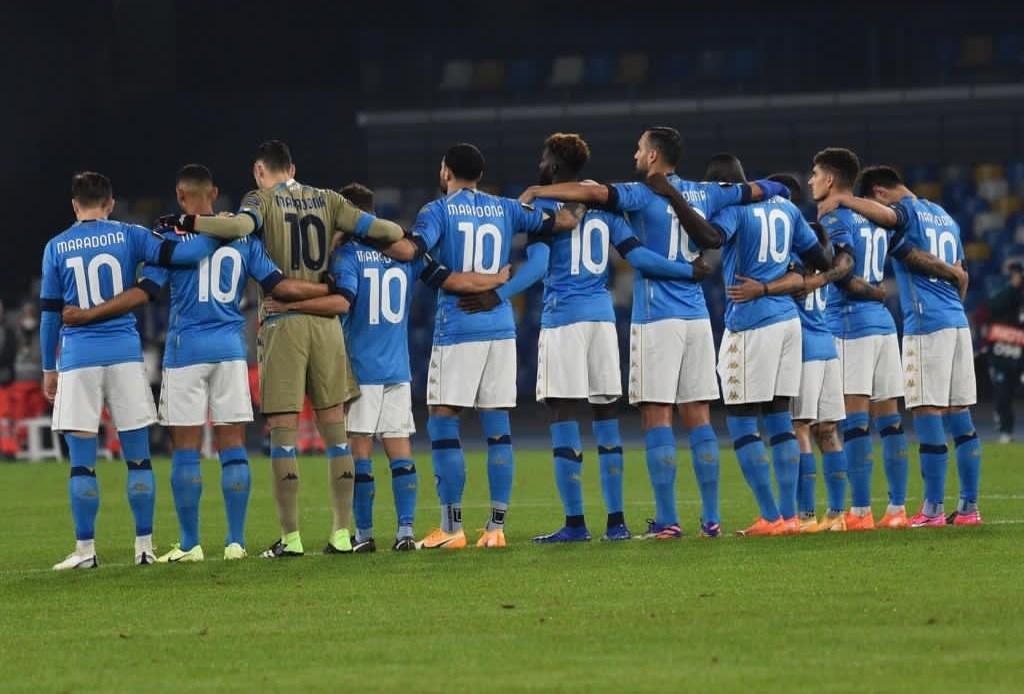 لاعبو نابولي قبل المباراة