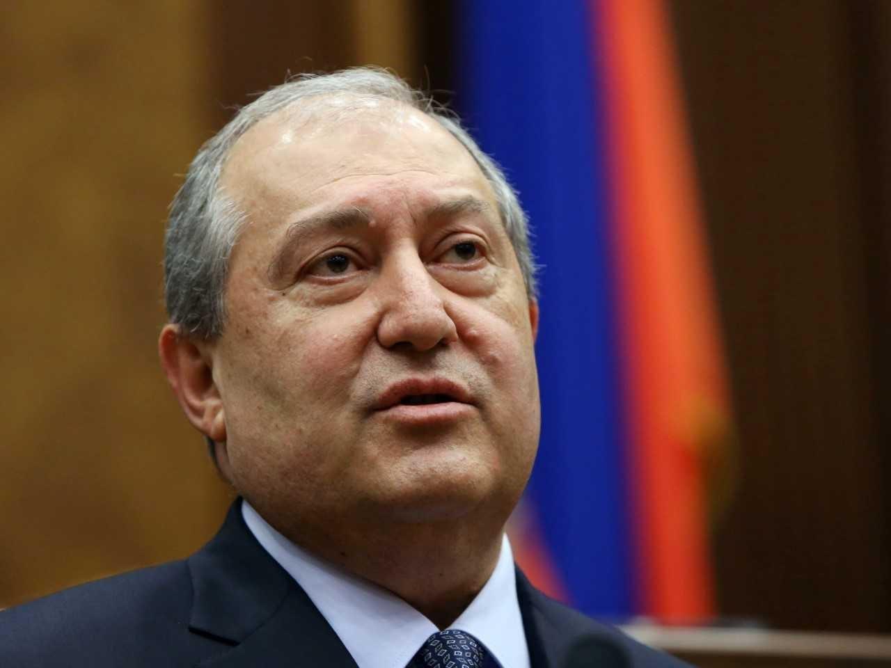 الرئيس الأرميني إلى موسكو لمناقشة مسألة كاراباخ مع الجالية الأرمنية
