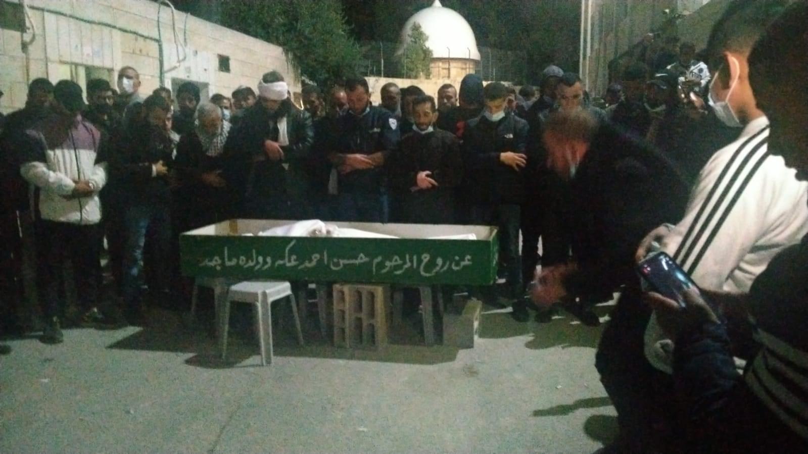 سلطات الاحتلال سلمت مساء اليوم  جثمان الشهيد نور شقير وتفرض دفنه مباشرة