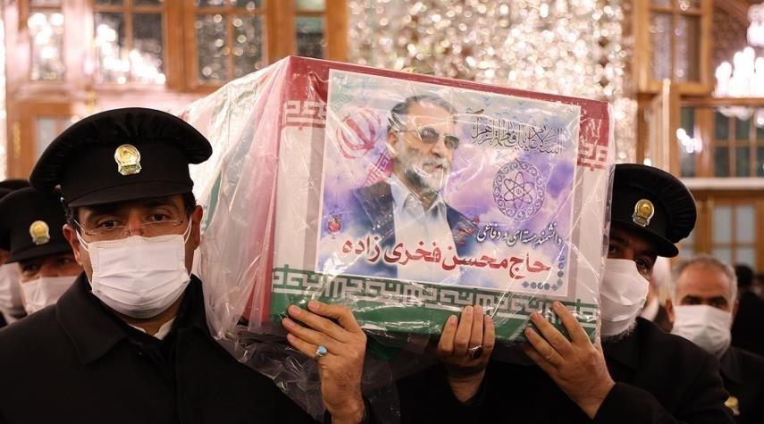 وصول جثمان محسن فخري زادة إلى مدينة مشهد