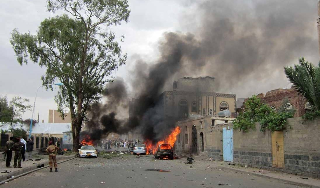 مقتل 30 عنصر أمن أفغانيا بتفجير انتحاري في ولاية
