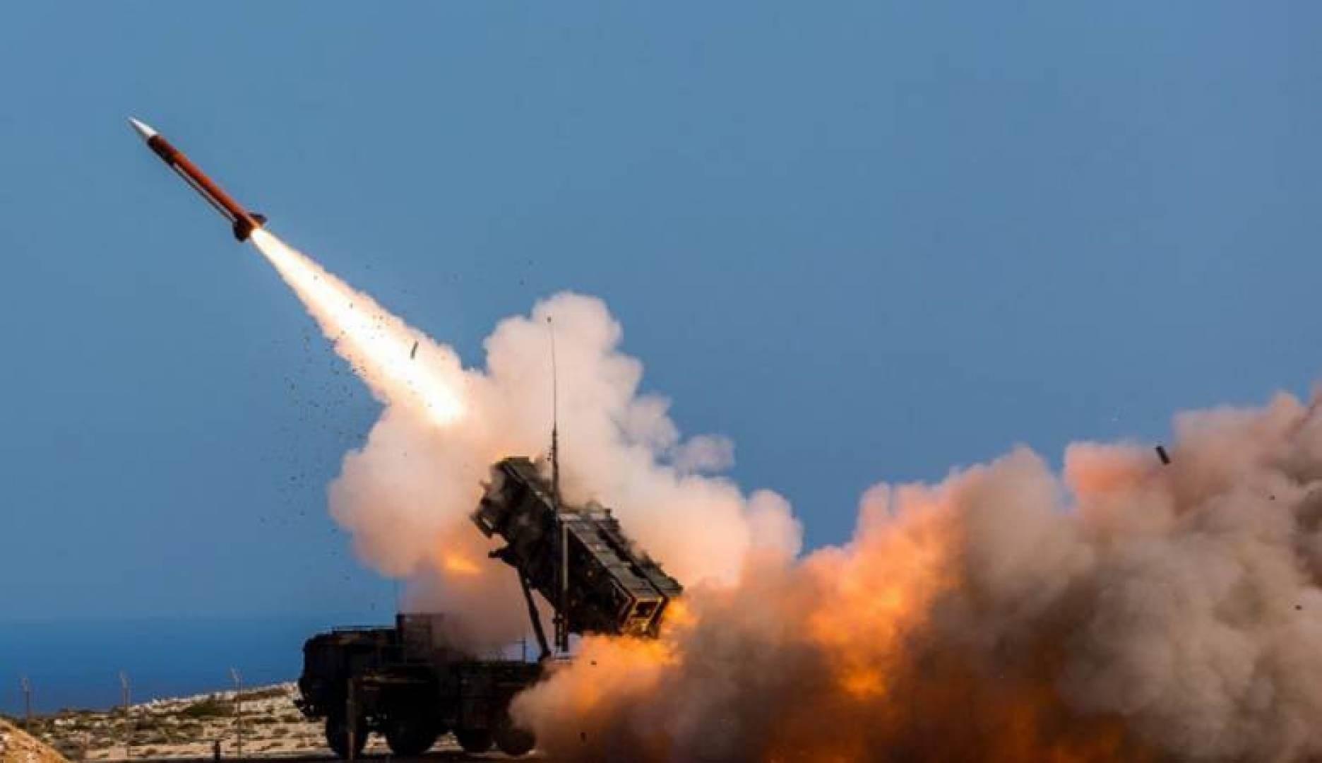استهداف مواقع في العمق السعودي بصواريخ يمنية (صورة أرشيفية).