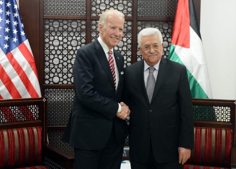 الرئيس الفلسطيني محمود عباس والرئيس الأميركي المنتخب جو بايدن (صورة أرشيفية)