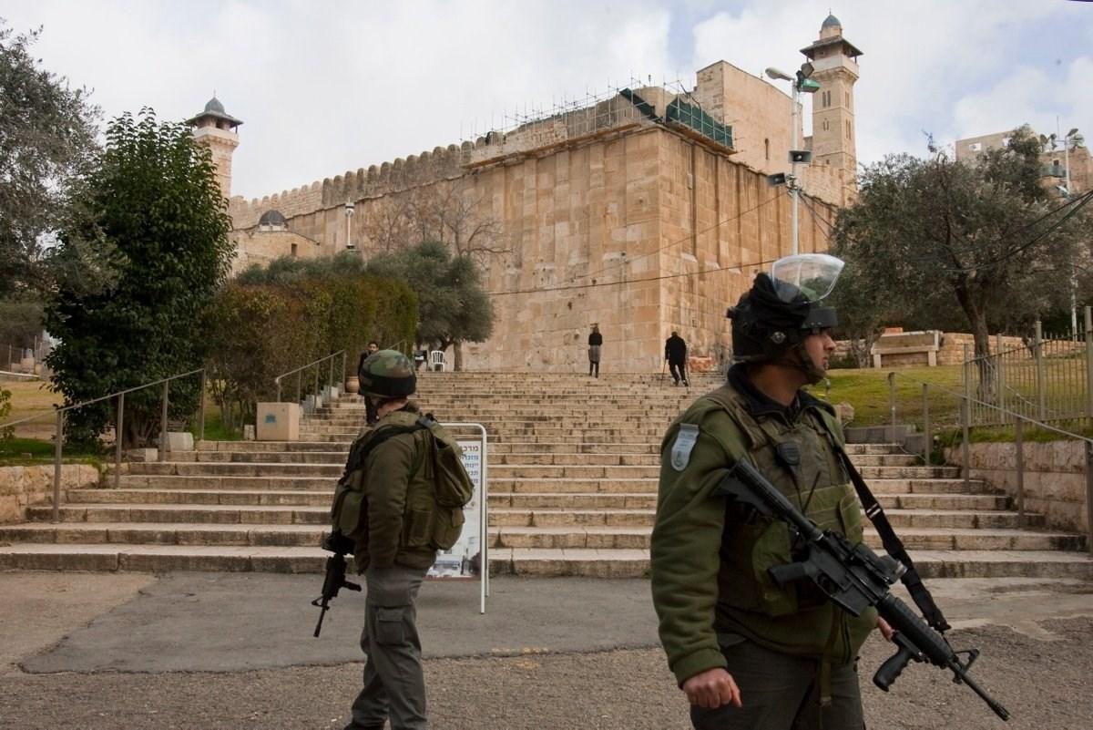 الاحتلال الإسرائيلي ارتكب عدة تدنيسات في المسجد الإبراهيمي