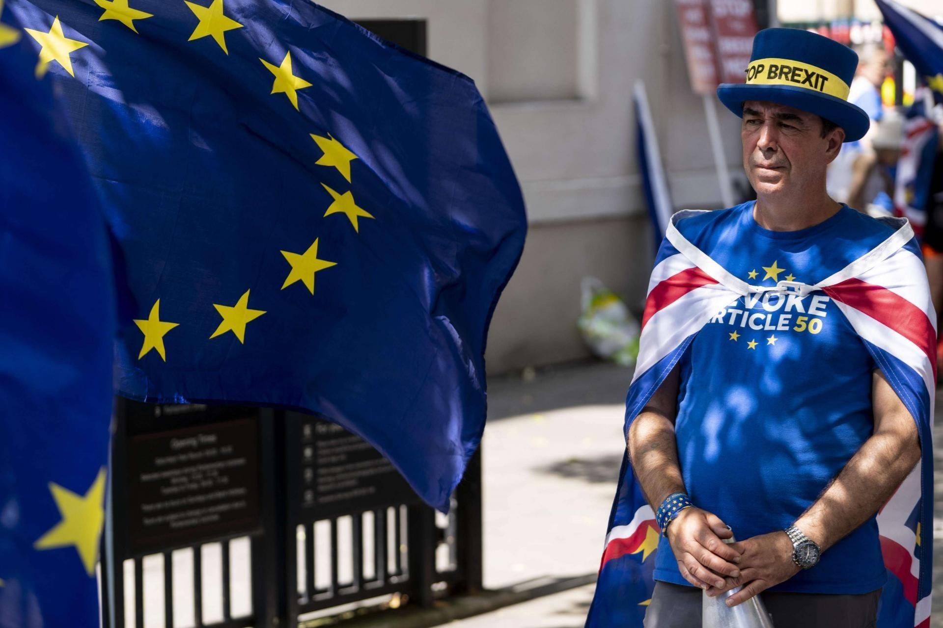 خروج بريطانيا دون اتفاف مع الاتحاد الأوروبي سيؤثر سلباً على الاقتصاد المحلي