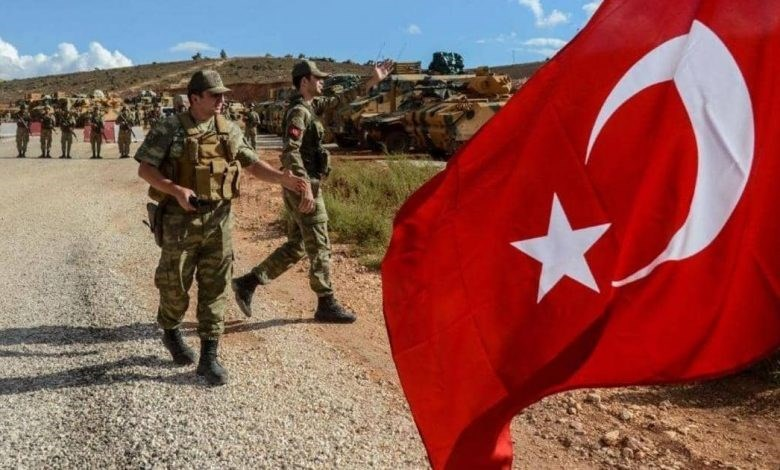 رتل عسكري تركي يدخل بلدة البارة بريف إدلب الجنوبي