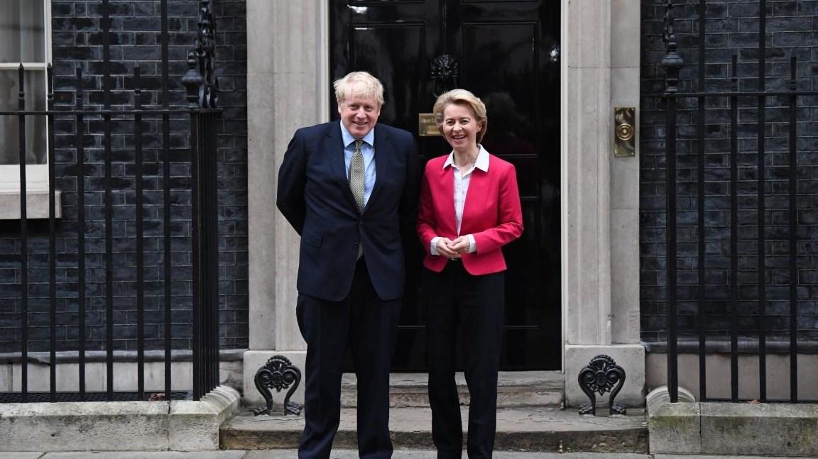 جونسون وفون دير لاين يتّفقان على استمرار مفاوضات بريكست