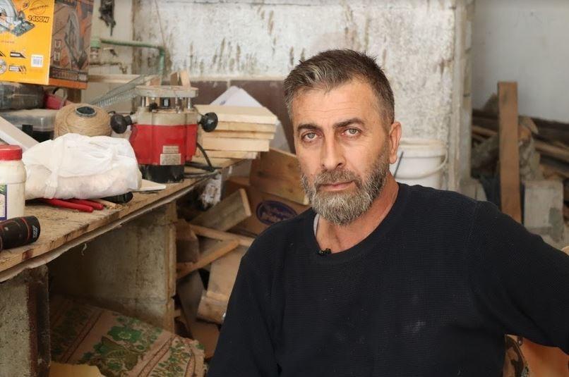 مدين يوسف .. من مصاب حرب إلى مبدع تحدى إعاقته
