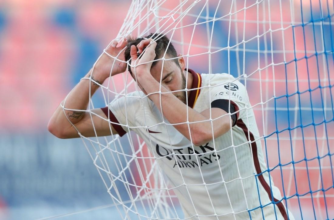 كريستانتي بعد تسجيله هدفاً بالخطأ في مرمى فريقه