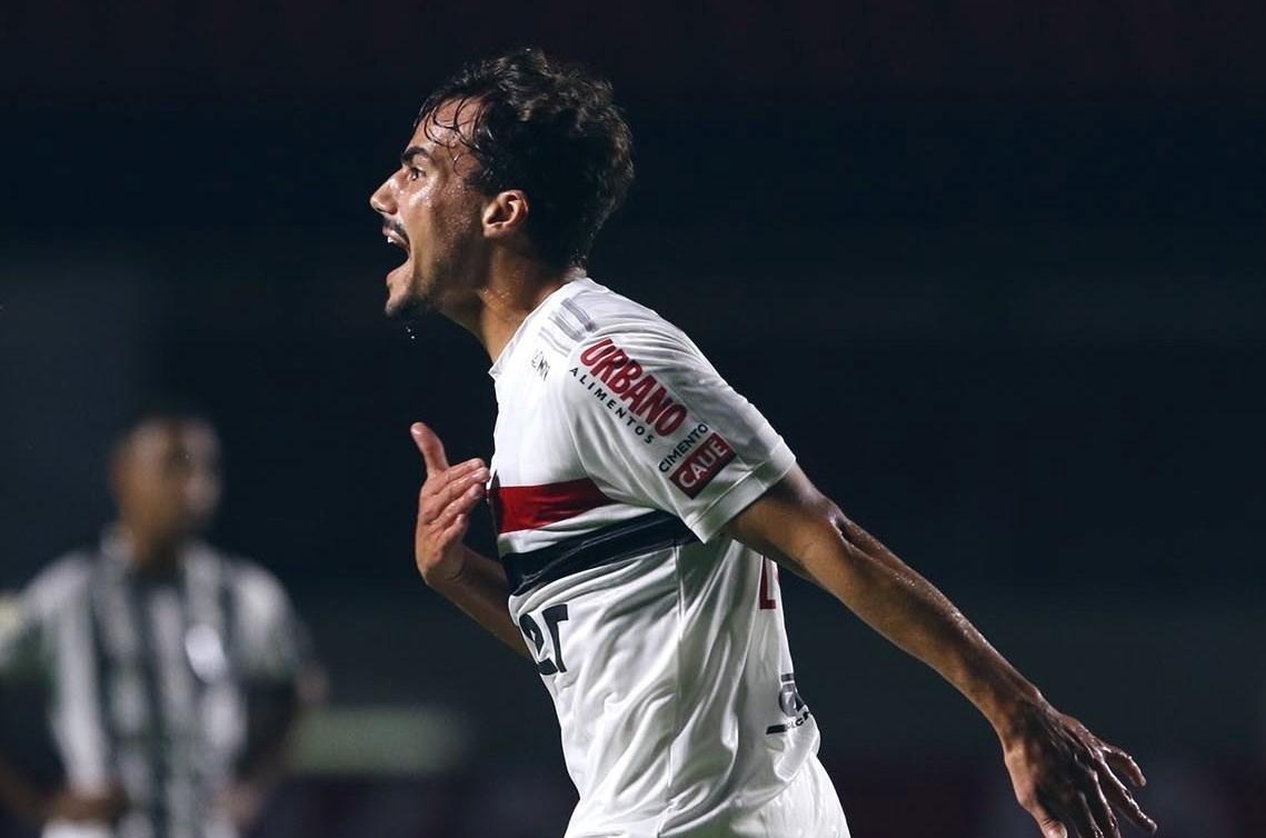 فاز ساو باولو على أتلتيكو مينيرو 3-0