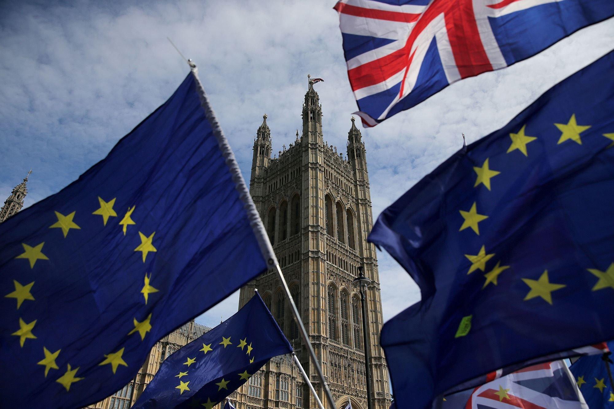 رئيسة المفوضية الأوروبية تعبر عن