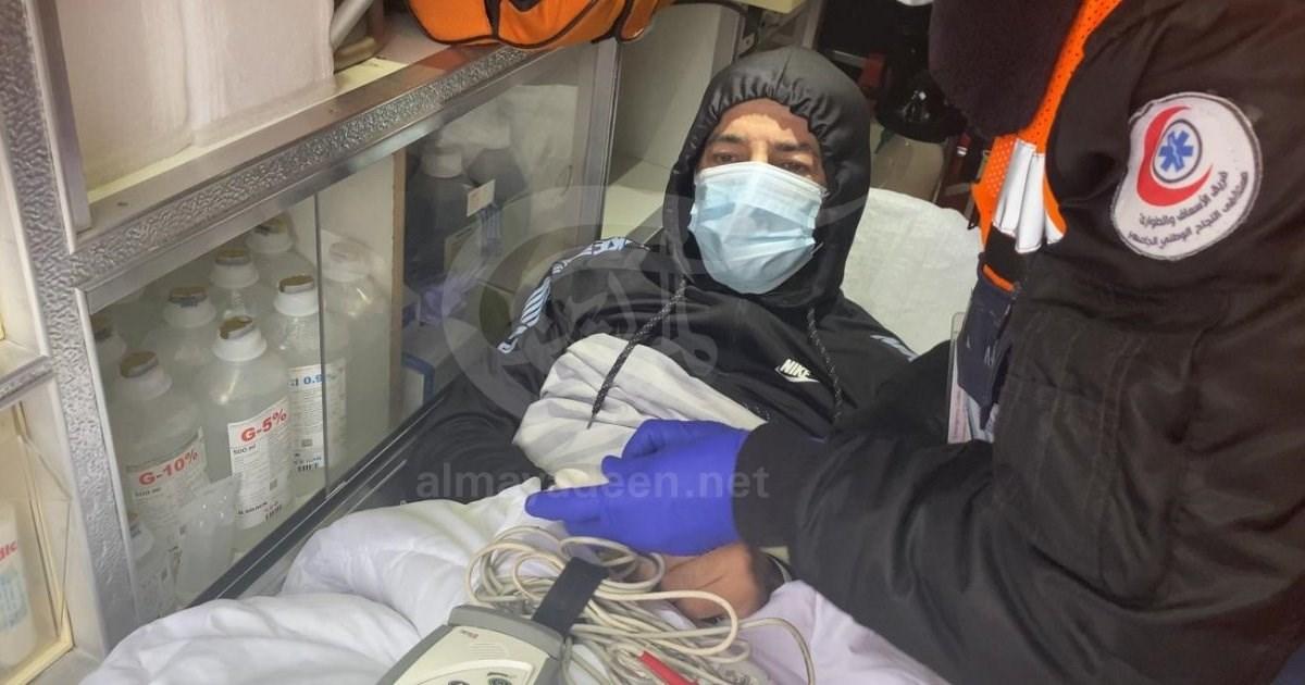الأسير المحرر ماهر الأخرس يدخل المستشفى بعد تدهور حالته الصحية