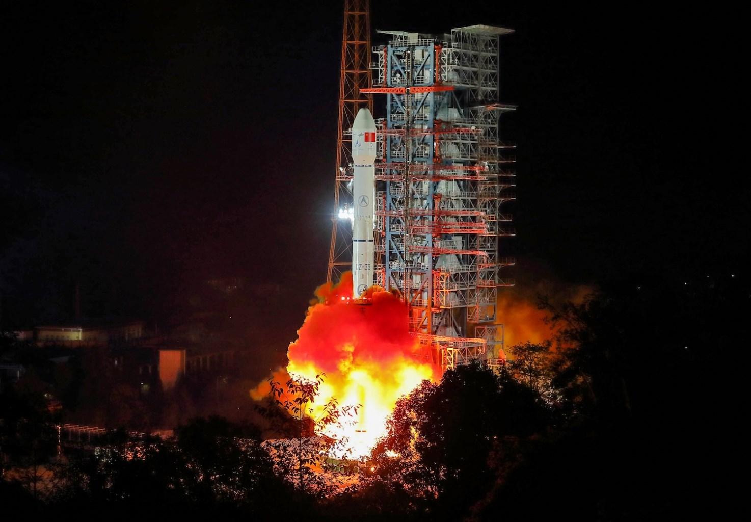 منافسة جديدة بين الصين وأميركا: السيطرة على الفضاء