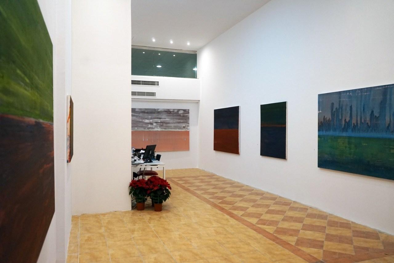 لقطة لمعرض الفنان زرد في غاليري تانيت