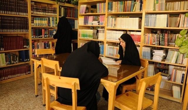 المكتبات الإيرانية.. 70% من القرّاء هن نساء