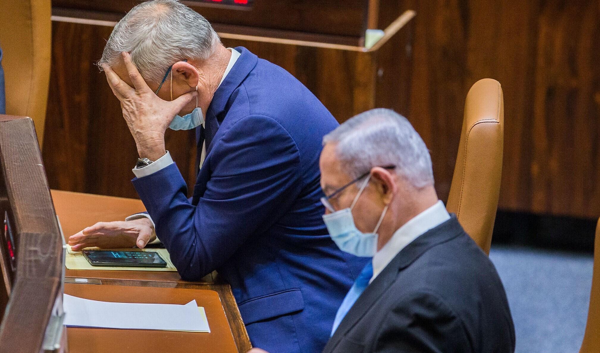 رئيس الحكومة الإسرائيلية بنيامين نتنياهو ورئيس حزب أزرق أبيض بني غانتس