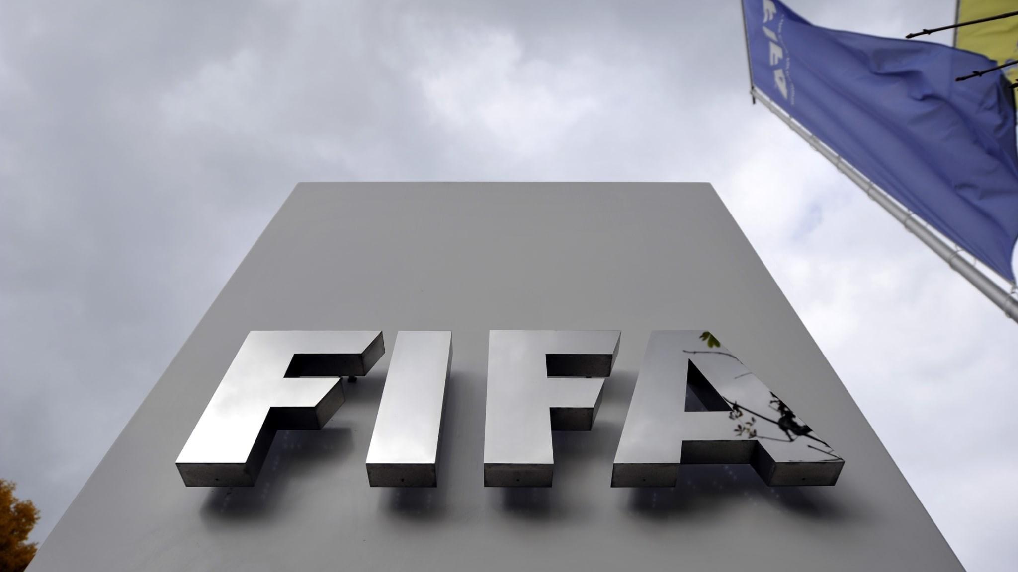 الفيفا: تأجيل نسختين من كأس العالم