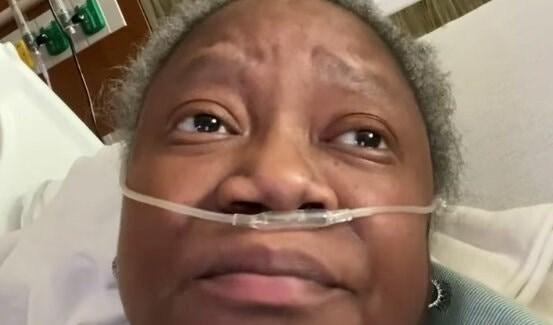 الدكتورة سوزان مور التي نشرت على فيسبوك التمييز العنصري خلال علاجها في المستشفى.