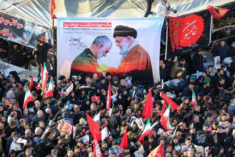 تشييع مليونيّ للشهيد الفريق سليماني ورفاقه في أهواز غرب إيران (صورة أرشيفية).