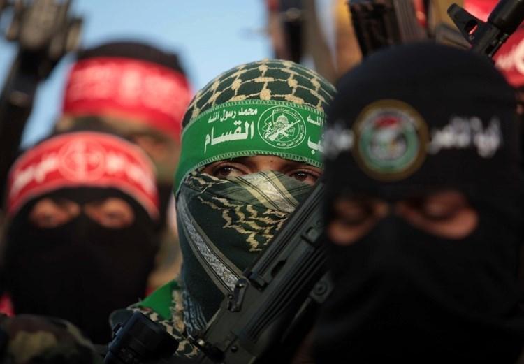 وسائل اعلام فلسطينية تقول إن المناورة العسكرية هي الأولى من نوعها.