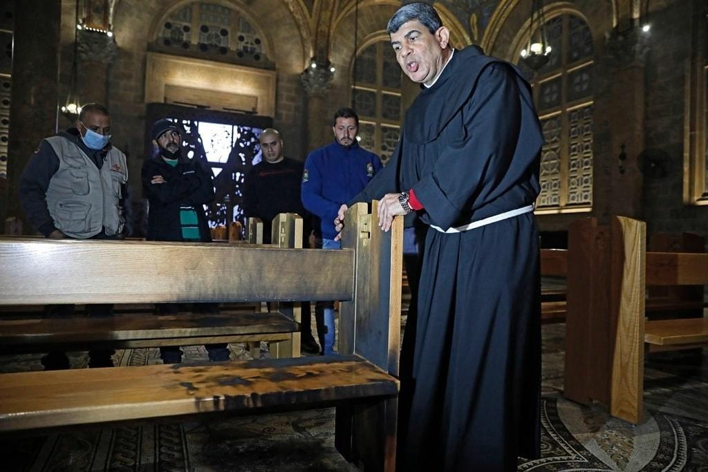 مستوطن إسرائيلي يحاول حرق كنيسة الجثمانية في القدس المحتلة
