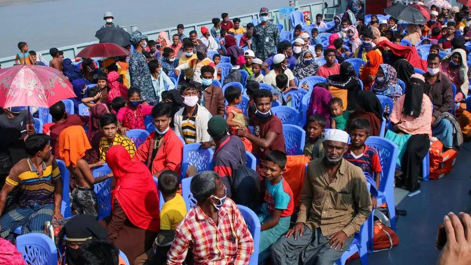 بنغلاديش تنقل مسلمي الروهينغا إلى